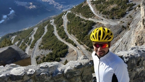 Ultracycling: Omar Di Felice a Bormio per la Race Across the Alps